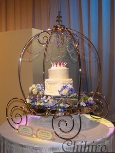 for michelle-Crystal Princess Cake (Cinderella) - Tokyo Disneyland Wedding Cakes Cinderella Theme, Cinderella Carriage, Cinderella Wedding, Princess Wedding, Wedding Disney, Cinderella Quinceanera Themes, Disney Weddings, Themed Weddings, Disney Theme