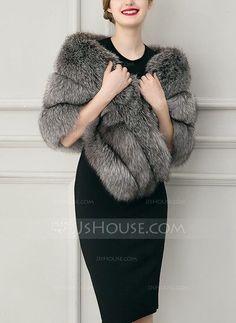 Faux Fur Fashion Wrap (013104334)