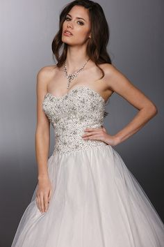 Style 50269 » Wedding Gowns » DaVinci Bridal » Available Colours : Ivory/Silver, Ivory/Ivory, White/Silver, White/White (close up)