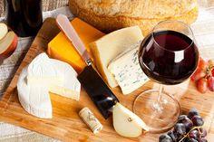 4 suggestions de #fromages d'ici en accord avec des #vins du Québec.