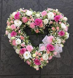 Pretty loose open heart from 50 #Flowers #florist #Bouquets