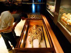 Resultado de imagen para tumbas del señor de sipan