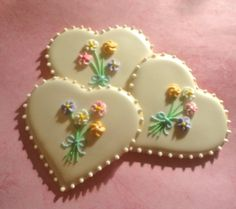 Mother's Day Cookies, Cookie Decorating, Bakery, Floral, How To Make, Heart, Spring, Dress, Frosted Cookies