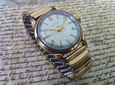 B U L O V A - W A T C H - Vintage Bulova Commodore Men's Swiss Watch, 10K Rolled Gold Plate Round Dial with Incredible Scalloped Lugs - 1953