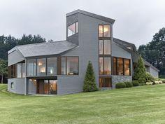 Mountain Home in Massachusetts Inspired by Fibonacci Spiral
