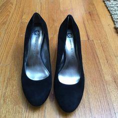 Anne Klein pumps Anne Klein pumps Anne Klein Shoes Heels