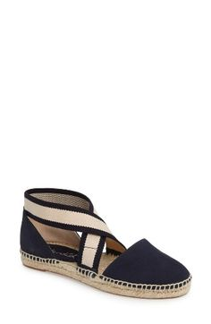 Free shipping and returns on Splendid Jamie Strappy Espadrille Flat (Women) at Nordstrom.com. Crisscrossed two-tone straps top a breezy espadrille flat.
