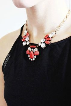 Vintage-inspired Red Statement Necklace 17,90 € #happinessbtq