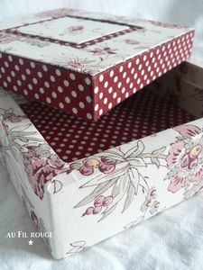 these boxes with the dot and the shabby chic design.