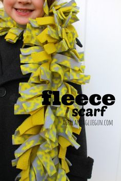 (scarf week) The post fleece scarf! (scarf week) 2019 appeared first on Scarves Diy. No Sew Scarf, No Sew Fleece Blanket, No Sew Blankets, Fleece Scarf, Diy Scarf, Fleece Crafts, Fleece Projects, Fabric Crafts, Sewing Crafts