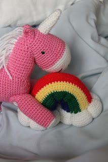 Amazing crocheted unicorn and rainbow; free pattern!