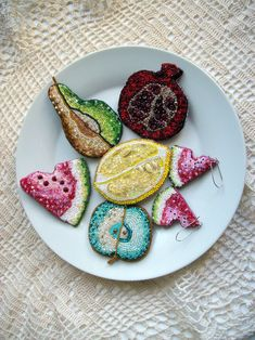 "Helen Kolomoets. ""Fruit plate"". Collection of jewelry. Beadwork Елена Коломоец. ""Фруктовая тарелка"" Коллекция украшений. Вышивка бисером"