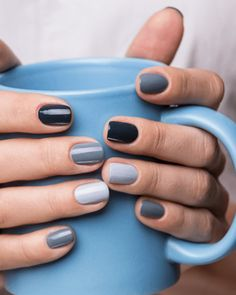 In look for some nail designs and ideas for your nails? Listed here is our listing of must-try coffin acrylic nails for modern women. Gradient Nails, Cute Acrylic Nails, Cute Nails, Pretty Nails, Grey Gel Nails, Grey Nail Art, Diy Nagellack, Nagellack Trends, Minimalist Nails