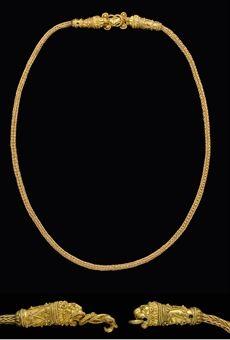 A GREEK GOLD CLASP  to feel like a greek godness...