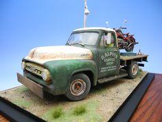 """Ralphs Service Shop"" AMT 1/25 scale 1953 Ford F-100 Pickup truck + TASCA 1/24 scale Zündapp KS750. By ""Doozy"" Yasu OKUGAWA. #motorcycle #model_cars #scale_model #diorama #vignette http://www.doozymodelworks.com/works/d_13/d13.html"