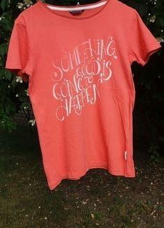 Kup mój przedmiot na #vintedpl http://www.vinted.pl/odziez-dziecieca/koszulki-topy-i-bluzki/13868425-pomaranczowa-koszulka-z-bialym-napisem-z-reserved