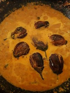 Hyderabadi bagara baingan is a delicious egg plant curry with an unique tangy flavour. This is an authentic hyderabadi cuisine. Zatar Recipes, Guam Recipes, Biscoff Recipes, Cooking Recipes, Indian Eggplant Recipes, Gucomole Recipe, Ham Bone Recipes, Scotcheroos Recipe, Hyderabadi Cuisine