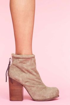 Rumble Boot - Taupe Suede $155!