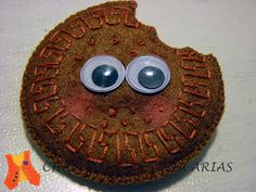 Brooch of a biscuit made of felt..to eat it