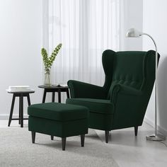 Strandmon Ikea, Poltrona Bergere, Chaise Ikea, Chair And Ottoman, Desk Chair, Fabric Armchairs, Piece A Vivre, Wing Chair, Home Decor Accessories