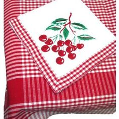 Gingham Vintage Cherries Tablecloth & Napkins Set