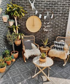 Hippie Boho Garden And Outdoor Living Ideas Outdoor Rugs, Outdoor Living, Outdoor Decor, Balkon Design, Home And Deco, Small Patio, Patio Design, Boho Decor, Outdoor Furniture Sets