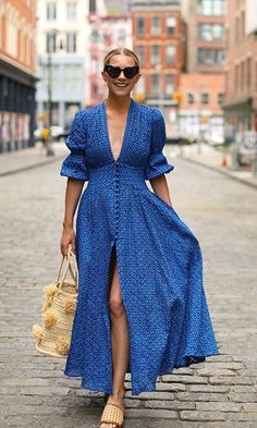Buy Summer Dresses Now - By Luxe With Love - # shopping - Sommer Dresses Mode - Summer Dress Outfits Rihanna Street Style, Street Style Summer, Summer Vacation Style, Summer Vacations, Fashion Blogger Style, Look Fashion, Womens Fashion, Blue Fashion, Trendy Fashion
