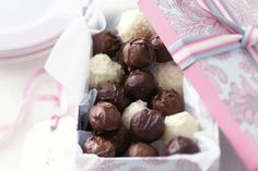 These decadent handmade truffles make a beautiful gift - experiment with fillings or coatings, such as white or dark chocolate. How To Make Chocolate, Homemade Chocolate, Chocolate Making, Yummy Treats, Sweet Treats, Homemade Food Gifts, Edible Gifts, Truffle Recipe, Fancy Cookies