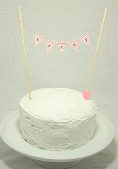 Bump Smitten: Baby Shower Idea: The Cake Bunting