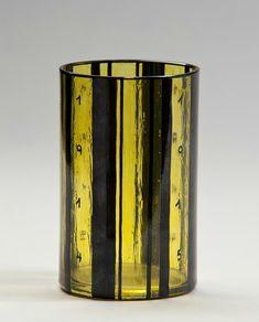 Josef Hoffmann, War Glass, 1914, clear glass, overlay, Johann Oertel, Nový Bor (Haida), for Wiener Werkstätte, H: 12 cm, Dm: 7,6 cm © MAK-Austrian Museum of Applied Arts/Contemporary Art.