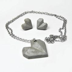 Concrete necklace and earrings set Concrete heart Cement jewelry Modern and contemporary cement jewelry Gift for architect Beton Cement Jewelry, Origami, Gift For Architect, Christmas Crafts To Sell, Diy Mugs, Geometric Heart, Appreciation Gifts, Diy Face Mask, Modern Jewelry