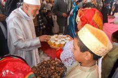 Las celebraciones en #Marruecos son una oportunidad perfecta para los marroquíes de reconciliarse entre sí y de intercambiar visitas. Asimismo, les ofrecen la oportunidad de descubrir la #cultura popular y refleja la variedad y la riqueza del patrimonio cultural marroquí en todas las esferas 🎉