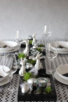 Terrific Cost-Free Easter Garden Table Style Baskets are chosen for ornamental purposes as well as can be used functionally for regulatory or gat Garden Party Decorations, Engagement Party Decorations, Easter Table Decorations, Decoration Table, Party Garden, Easter Garden, Green Table, Easter Traditions, Ideas Geniales