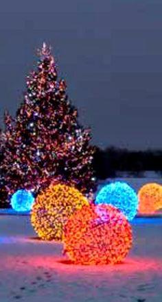 Make a Lighted Christmas Ball | Outdoor christmas, Christmas ...