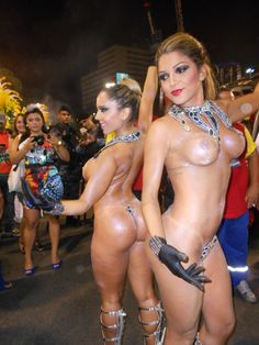 braziliangirlz: Renata Frisson e Camila Gomes