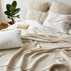 Bedding set made from very soft jersey in light grey mélange colour. The natural fabric allows the skin to breathe and bed linen is pleasant to the touch as your beloved t-shirt. Cotton Bedding, Linen Bedding, Duvet, Bed Linens, Single Bedding Sets, Couple Bed, Bed Linen Design, Bed Sheets, Mattress