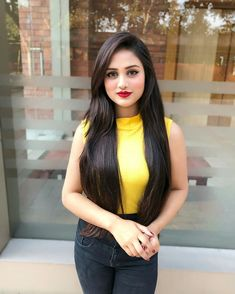 Think Your Hair Can't Be Tamed? Think Again! Everyone wants to have great looking hair, as a good set of locks can completely transform a person's appearance. Beautiful Girl Photo, Beautiful Long Hair, Beautiful Girl Indian, Simply Beautiful, Beautiful Women, Indian Girl Bikini, Indian Girls, Dehati Girl Photo, Cute Little Girl Dresses