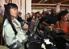 Rihanna recently stopped by her Fenty X Puma by Rihanna pop up shop in Hollywood.   Rihanna, 29, rocked an oversized mint and floral prin...