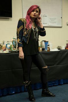 Lovaticler! Size sesleniyorum Demi'nin tüm tatlılığını ortaya koyan b… #rastgele # Rastgele # amreading # books # wattpad
