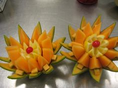 fruit carving Receptions carving by Sheree Veggie Art, Fruit And Vegetable Carving, Veggie Food, Fruit Sculptures, Food Sculpture, Fruit Decorations, Food Decoration, Edible Fruit Arrangements, Deco Fruit
