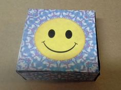 Day 20 - Groovy Smiley Box Papercraft