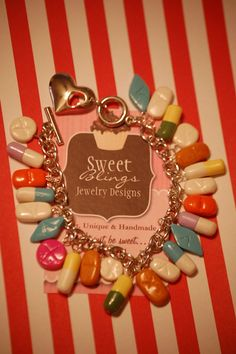 OMG I want this - too funny! Happy Pills Bracelet - in my case, this is funny in a sad kind of way. or am I just being bipolar again? Pharmacy School, Pharmacy Humor, Pharmacy Technician, Pharmacy Gifts, Kitsch, Happy Pills, Making Ideas, Jewelery, Jewelry Design