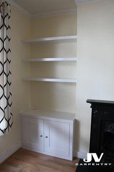 Alcove bookshelves with cupboard Alcove Storage Living Room, Alcove Desk, Living Room Cupboards, Alcove Cupboards, Built In Cupboards, Dining Room Hutch, Alcove Bookshelves, Alcove Shelving, Shelving Ideas