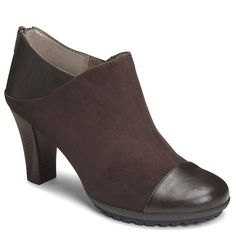 BRAND NEW AEROSOLES BOOTIES IN BROWN SIZE 6.5 WIDE Bought these booties and never actually took them out of the box.!!!! Size 6.5 wide which fits a wide 6.5 or regular 7!!! Super cute with brown  leather on the front and back and suede thru-ought!!! AEROSOLES Shoes Ankle Boots & Booties