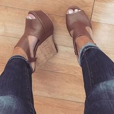 starting to wear wedges because they are easier than heels. This is a cut pair of brown shoes Hot Shoes, Crazy Shoes, Wedge Shoes, Me Too Shoes, Shoes Heels Wedges, Platform Wedge Sandals, Platform Shoes, Mules Shoes, Heeled Boots