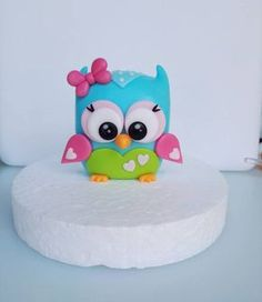 This is an Owl cake topper tutorial I made recently. Enjoy!