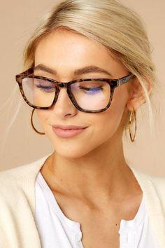 Eyewear Trends For Women 2020 Stylish Sunglasses, Sunglasses Women, Sexy Work Outfit, Work Outfits, Office Outfits, Glasses Trends, Womens Glasses Frames, Eyewear Trends, Fashion Eye Glasses