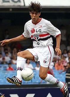 Kaká | 131 jogos, 48 gols | Títulos: Torneio Rio-São Paulo (01)