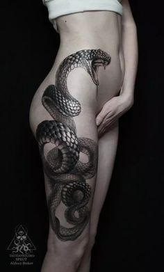 Sexy Thigh Tattoo Ideas and Designs for Women55