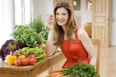 Detoxifierea după sărbători. Rețete de la trei experţi în alimentaţie. Ce să mâncați la cele trei mese principale Spirulina, Formal Dresses, Healthy, Fashion, Salads, Dresses For Formal, Moda, La Mode, Fasion